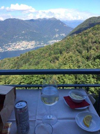 Il Bettolino: View of Como lake.