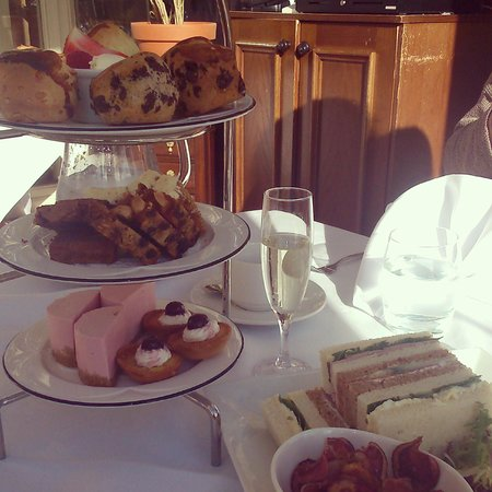 Dalhousie Castle: Champagne Afternoon Tea