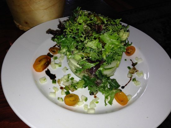 Zinc Brasserie: Another pic of this pretty salad, Blue Cheese crumbles under the salad too!
