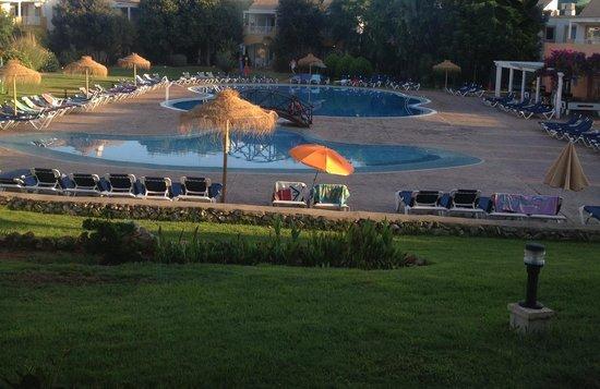 Isla Del Aire Apartments : The pool area
