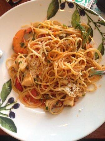 Oliva: espaguete com frutos do mar