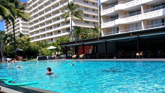 Reef View Hotel: pool terrace