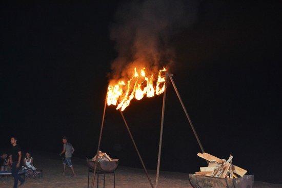Pyramisa Sahl Hasheesh Resort: Огненное шоу