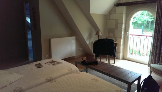 Saint-Jean-Saint-Germain, Fransa: twin beds room