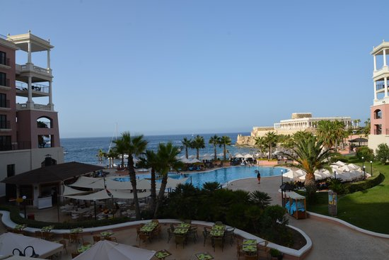 The Westin Dragonara Resort, Malta : View form the lobby terrace