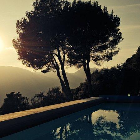 Hotel Can Cuch: Vistas desde la piscina