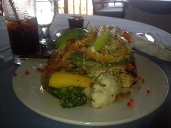 Hi Tide Restaurant at Bay Gardens Beach Resort : Anse Le Ray Potfish at Hi Tide Restaurant located at Bay Gardens Beach Resort, Rodney Bay