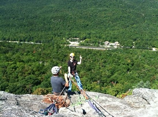 Northeast Mountaineering - Day Tours : getting ready to start rappelling