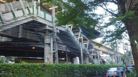 Jasmine Resort Hotel : 駅が隣接