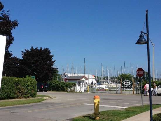 Harbour House Hotel: View from room and parking lot