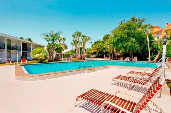 Travelodge Lakeland: Pool