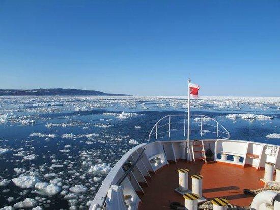 Abashiri Sightseeing Icebreaker Aurora : おーろら号からの景色