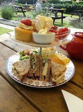 Daisy Tea Rooms: Strawberry cream tea