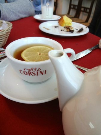 Ponte San Vittorino Hotel Restaurant: Hot Tea for me even thought Cappuccino is the norm