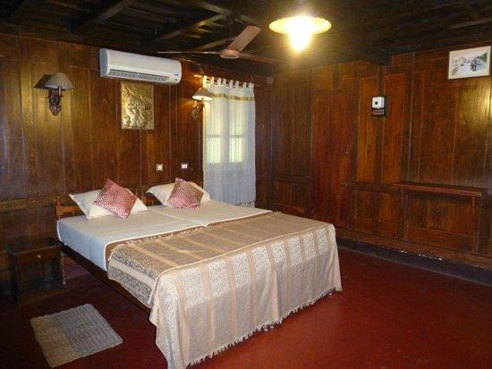 Emerald Isle - The Heritage Villa: Chambre très spacieuse