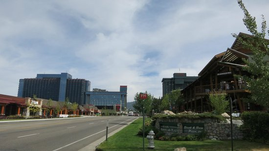 Grand Residences by Marriott, Tahoe - 1 to 3 bedrooms & Pent.: Marriott Grand Residence