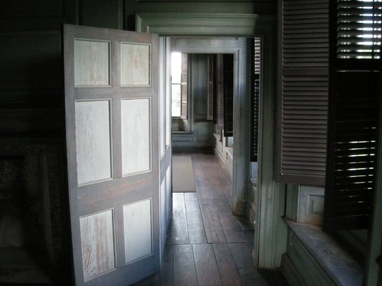 Drayton Hall : Touring the house