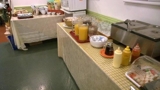 L'Autre Jardin: breakfast bar