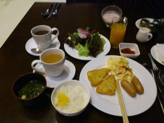 Asiana Hotel Dubai: 朝食バイキング