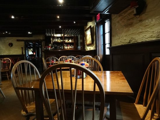 The Red Fox Inn & Tavern: Breakfast room