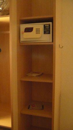 Ibis Hotel Blumenau : cofre