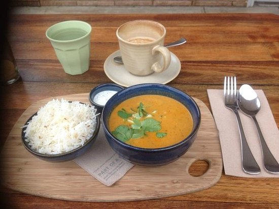 coffee chakra: Chakra Curry- Butter chicken with cucumber raita