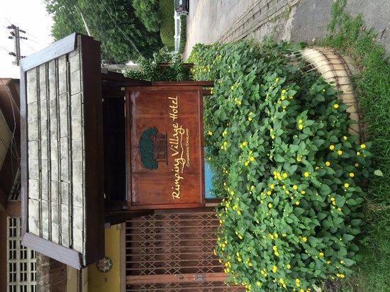 Rimping Village : ホテル入口