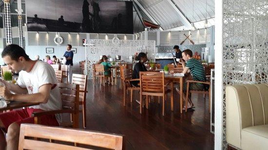 The Kuta Beach Heritage Hotel Bali - Managed by Accor: Breakfast