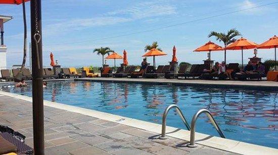 Ocean Club Hotel: pool area