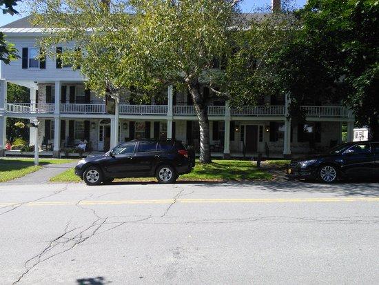 Grafton Inn: front of inn