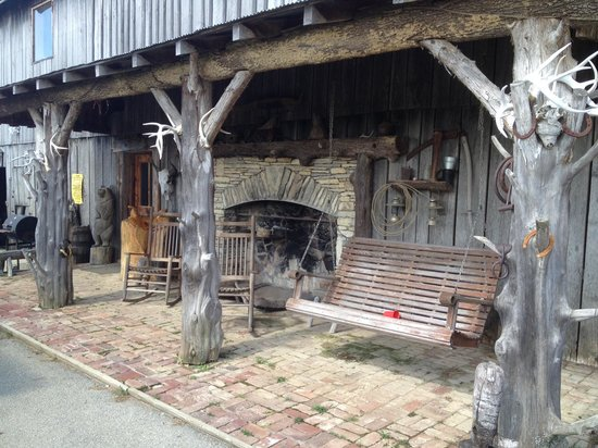 FRONT PORCH FIREPLACE - Picture of Little Big Horse Trails, La ...