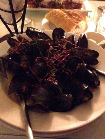 Mooncussers Tavern Inn & Restaurant : Drambuie Mussels