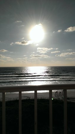 Four Points by Sheraton Jacksonville Beachfront: Watching a Beautiful Sun Rise From My Suite  Balcony