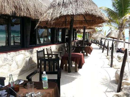La Vita e Bella: Stunning beach front restaurant and bungalows