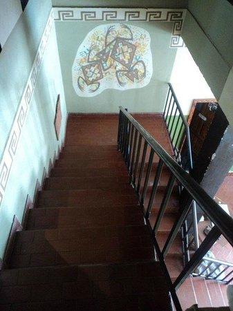 Hostel Internacional El Balcon: Escaleras al hostel