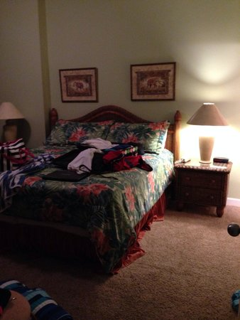 Leeward Key Condominiums: Master room , excuse our junk :)