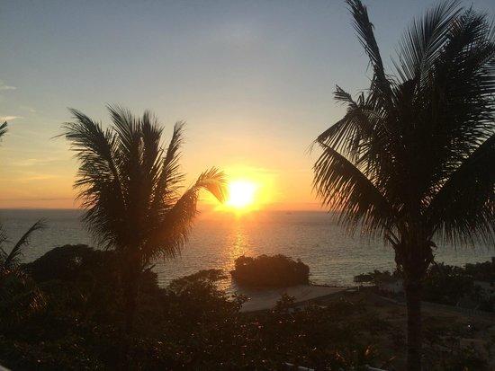 Argonauta Boracay: テラスから見る夕陽