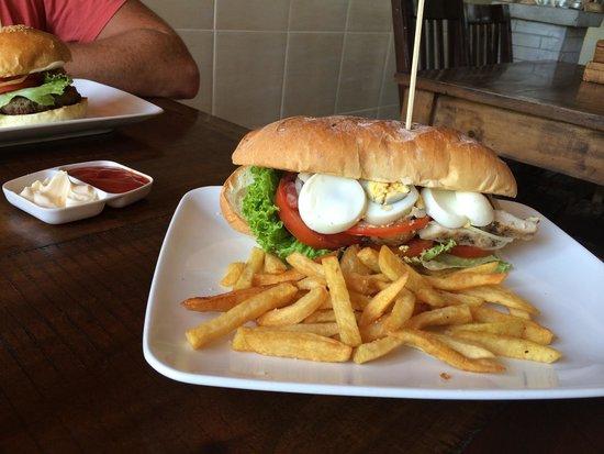 Warung Enak : Club sandwich