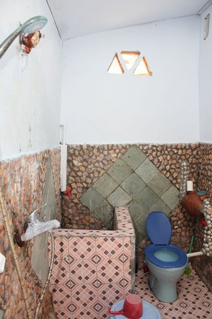 Secret Island Resort: Bathroom of beachside room