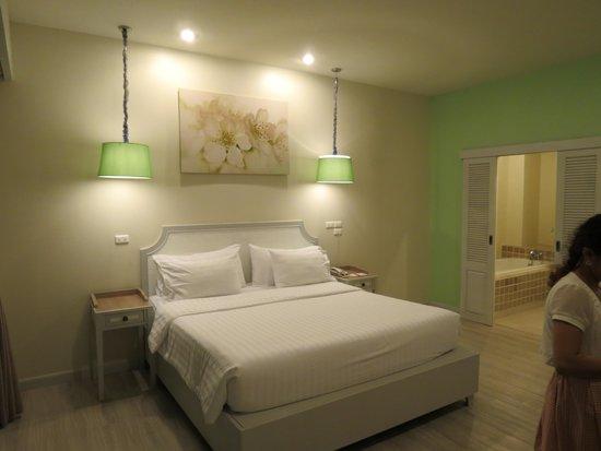 Bandara On Sea, Rayong: Large and comfy bed