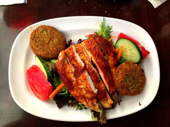 Perricone's Marketplace & Cafe : Pistachio crusted goat cheese salad with blackened chicken. YUM!