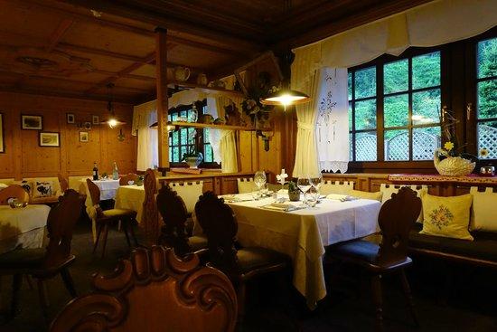 Hotel Evaldo: Dining Room