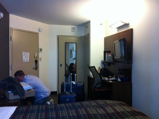 Club Quarters Hotel in San Francisco: The rest of the room
