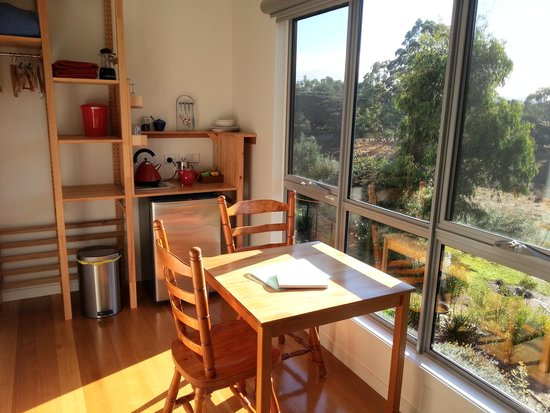 Fish Creek Bed and Breakfast: At the table