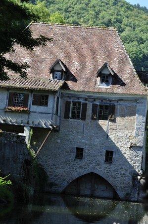 Les Croisieres de Saint Cirq Lapopie : ancien moulin