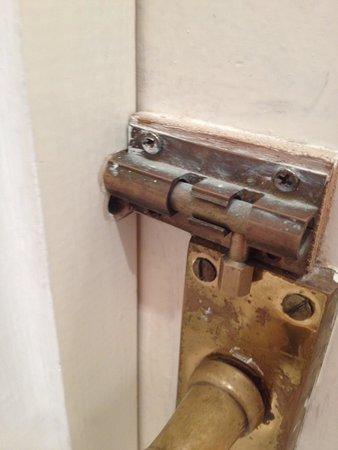 Wentworth House: Bathroom door didn't lock.