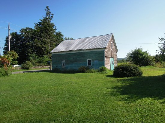 The actual turquoise barn seen from the BnB