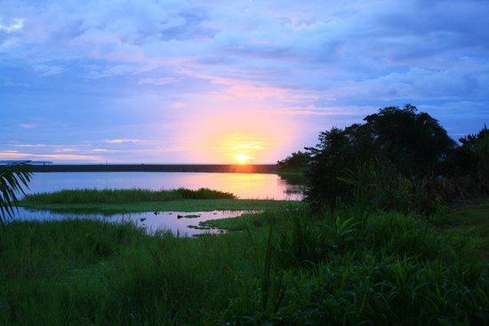 Traumhafter Sonnenuntergang in der Rio Drake Farm