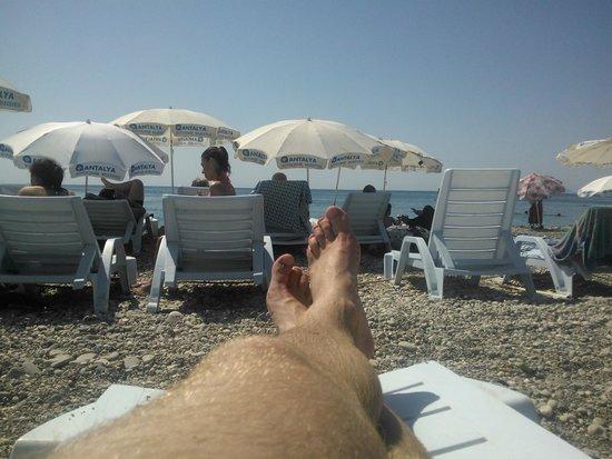 Meltem Hotel: городской пляж