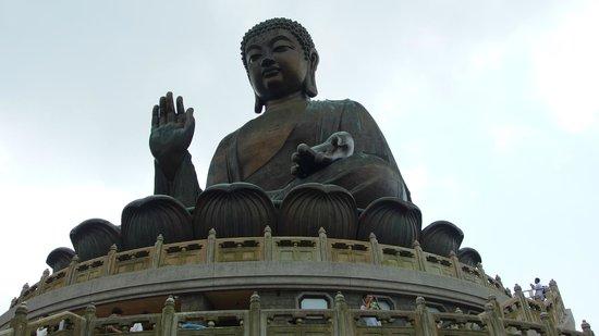 Lantau Island : View of the Buddha statue
